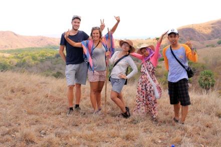 Bareng Joke, Pieter, mbak Wati dan Didi di bukit Pulau Rinca