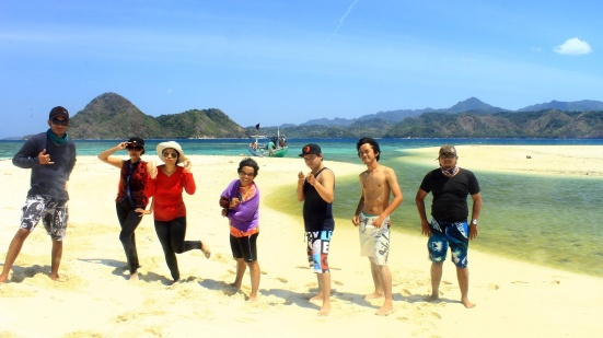 Salam dari tim Jelajah Bawean!